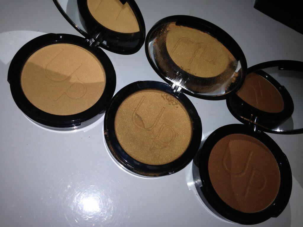 In My Bridal Kit - Highlighters, inmykit-highlighters, highligters for black skin, highlighters for dark skin, london makeup artist for black skin, black makeup artist london.
